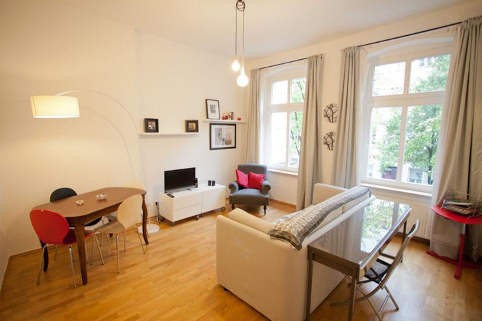 m blierte wohnung in berlin mitte. Black Bedroom Furniture Sets. Home Design Ideas