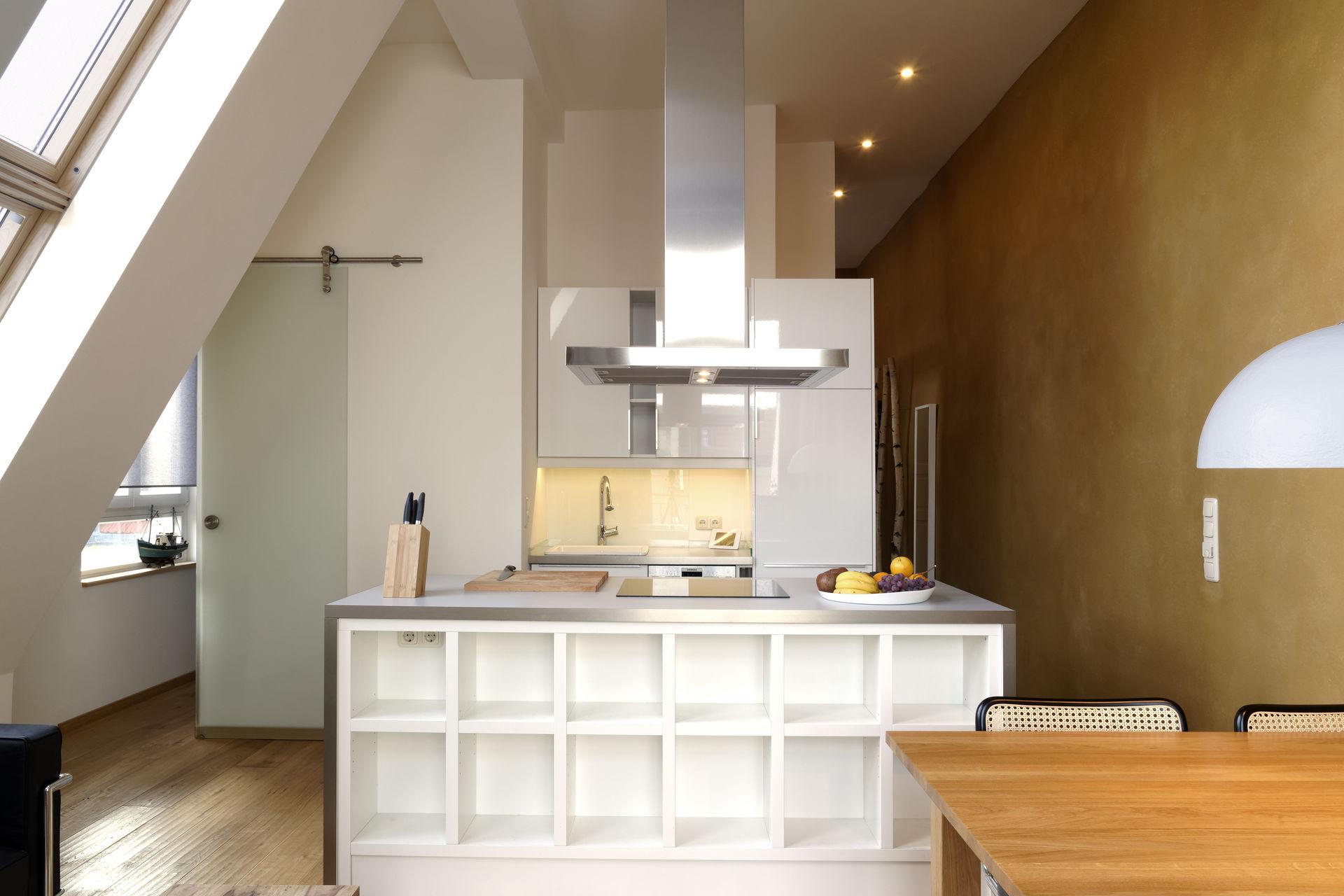 wohnung dachgeschoss design. Black Bedroom Furniture Sets. Home Design Ideas