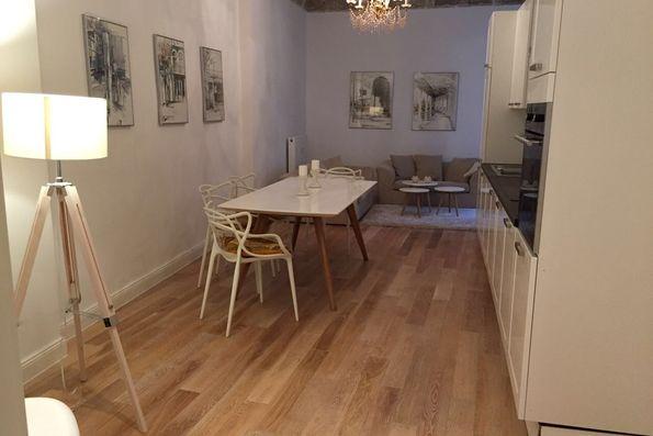 mieten sie m blierte luxus wohnungen in berlin. Black Bedroom Furniture Sets. Home Design Ideas