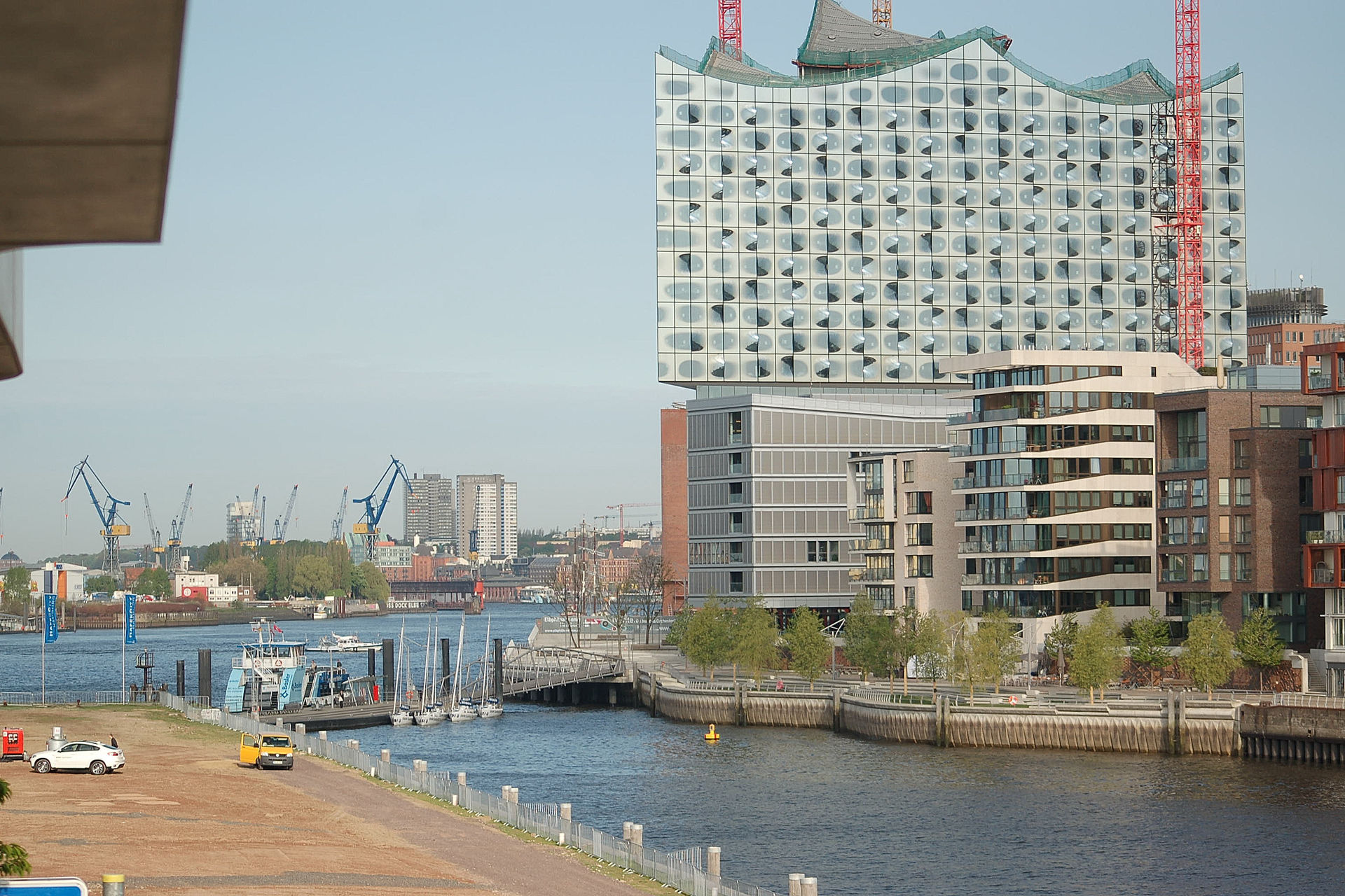 Hafencity, Marco Polo Tower, exclusive Lage, Luxus pur ...