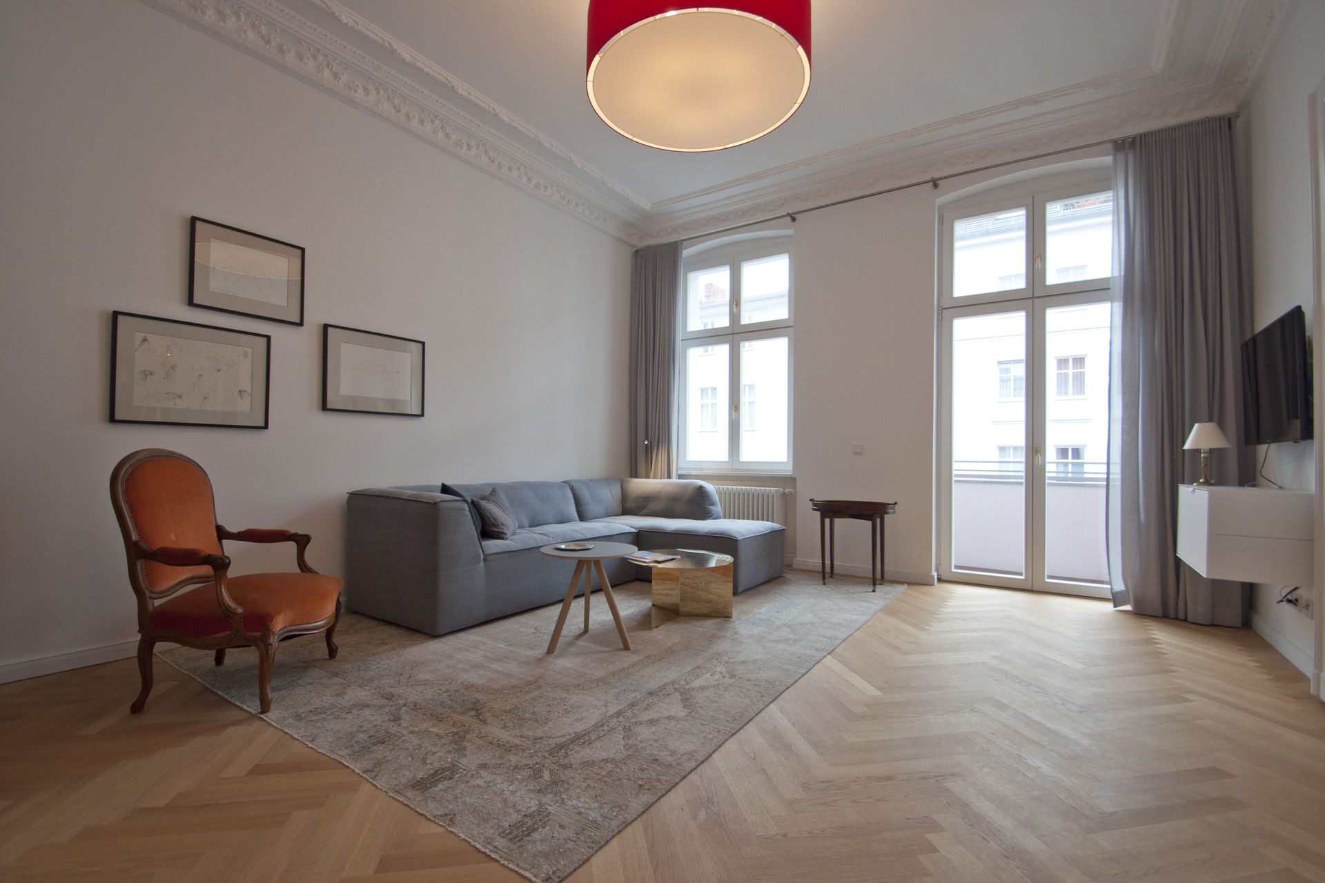 classy furnished apartment in berlin mitte. Black Bedroom Furniture Sets. Home Design Ideas