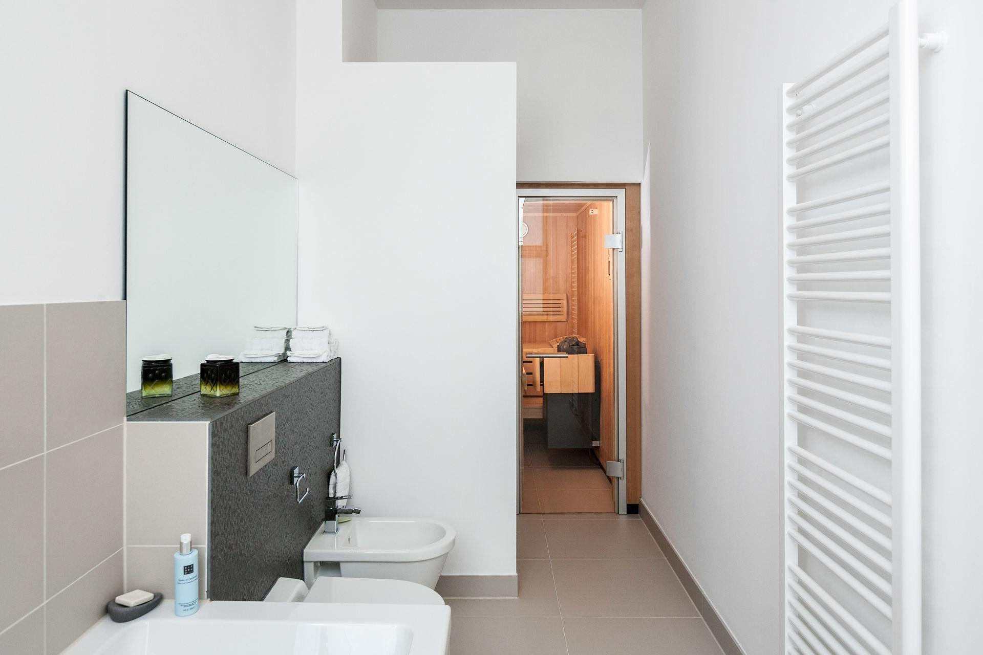 gro z gige wohnung mit sauna im haus cumberland. Black Bedroom Furniture Sets. Home Design Ideas