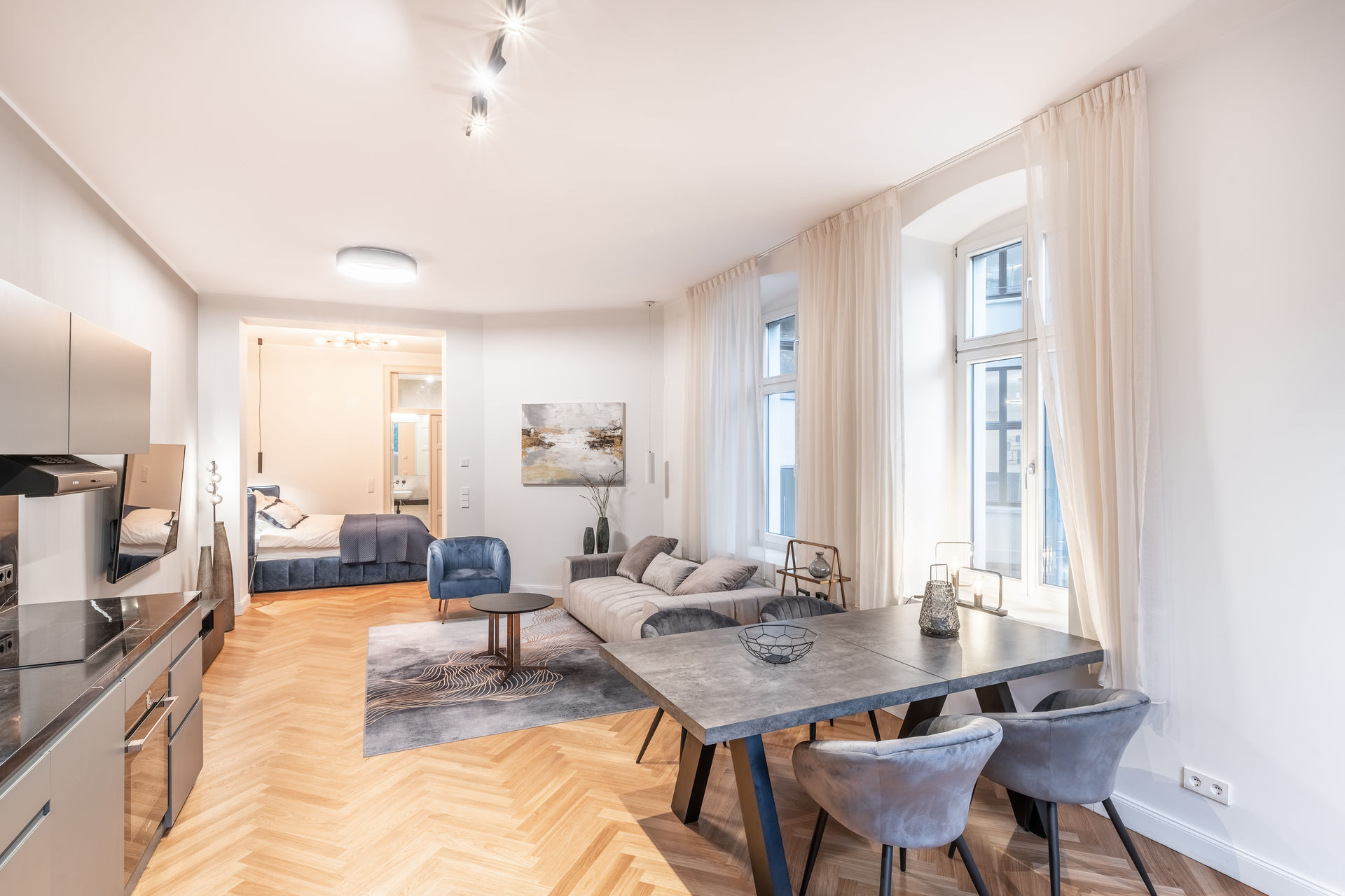 Sensational And Luxurious One Bedroom Apartment In Berlin Mitte