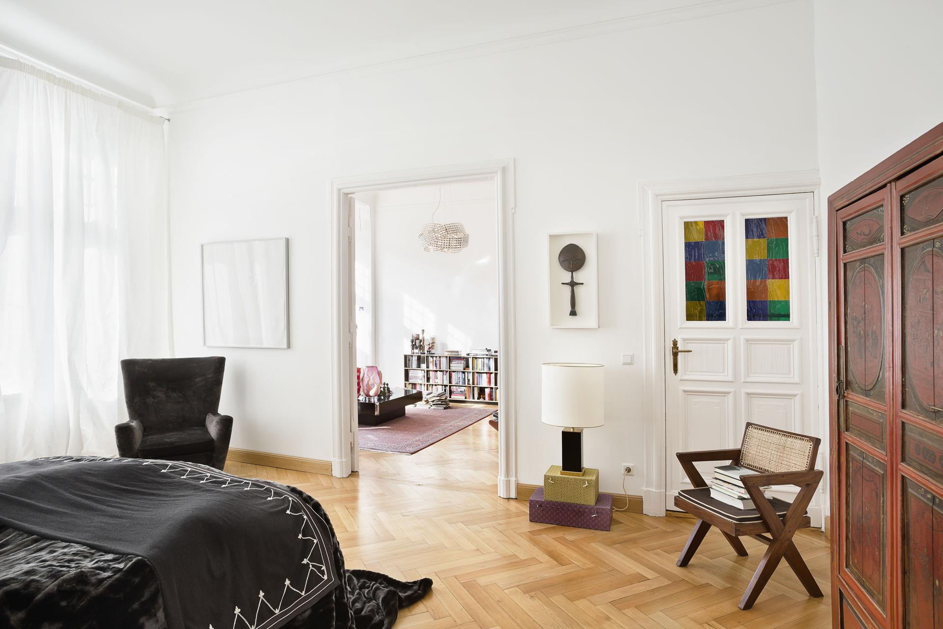dekorative altbauwohnung zwischen kurf rstendamm und savignyplatz. Black Bedroom Furniture Sets. Home Design Ideas