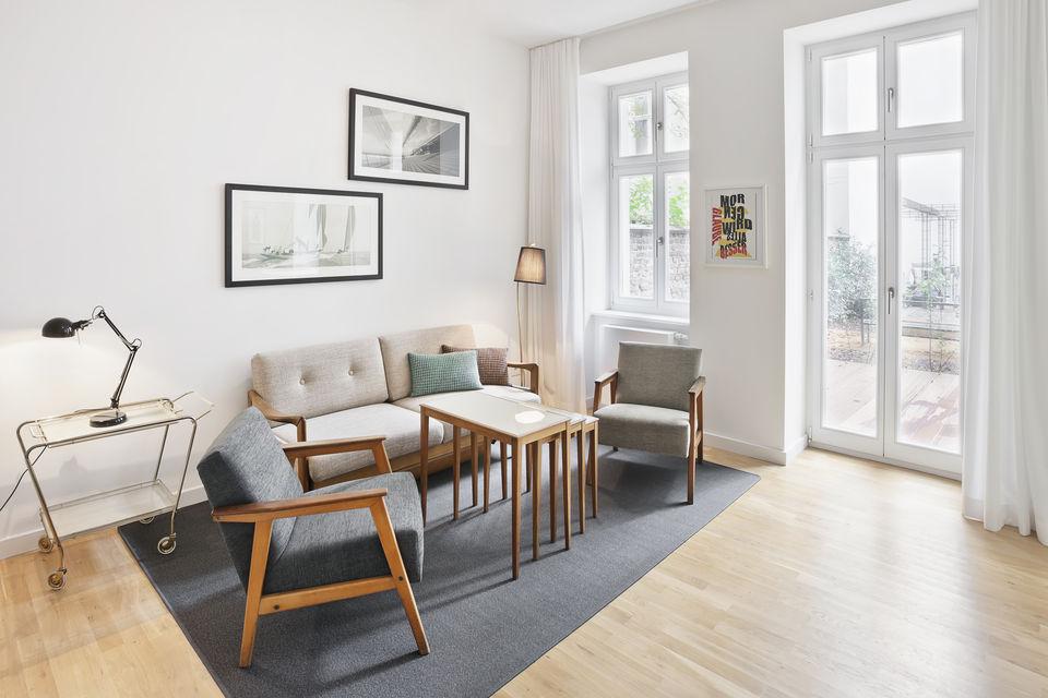 Altbauwohnung Wohnzimmer Design Altbau Apartment Nahe Ku Damm Farawayhome