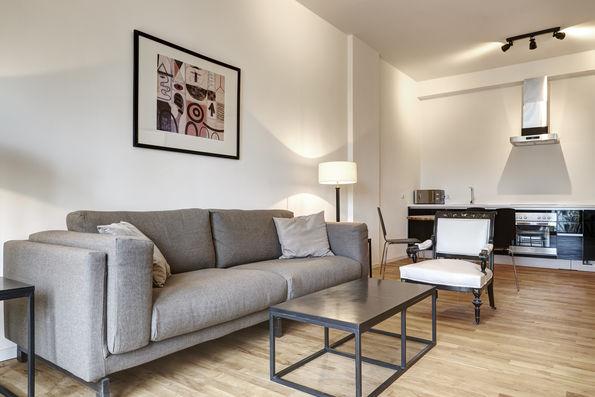 furnished apartments in berlin kreuzberg. Black Bedroom Furniture Sets. Home Design Ideas