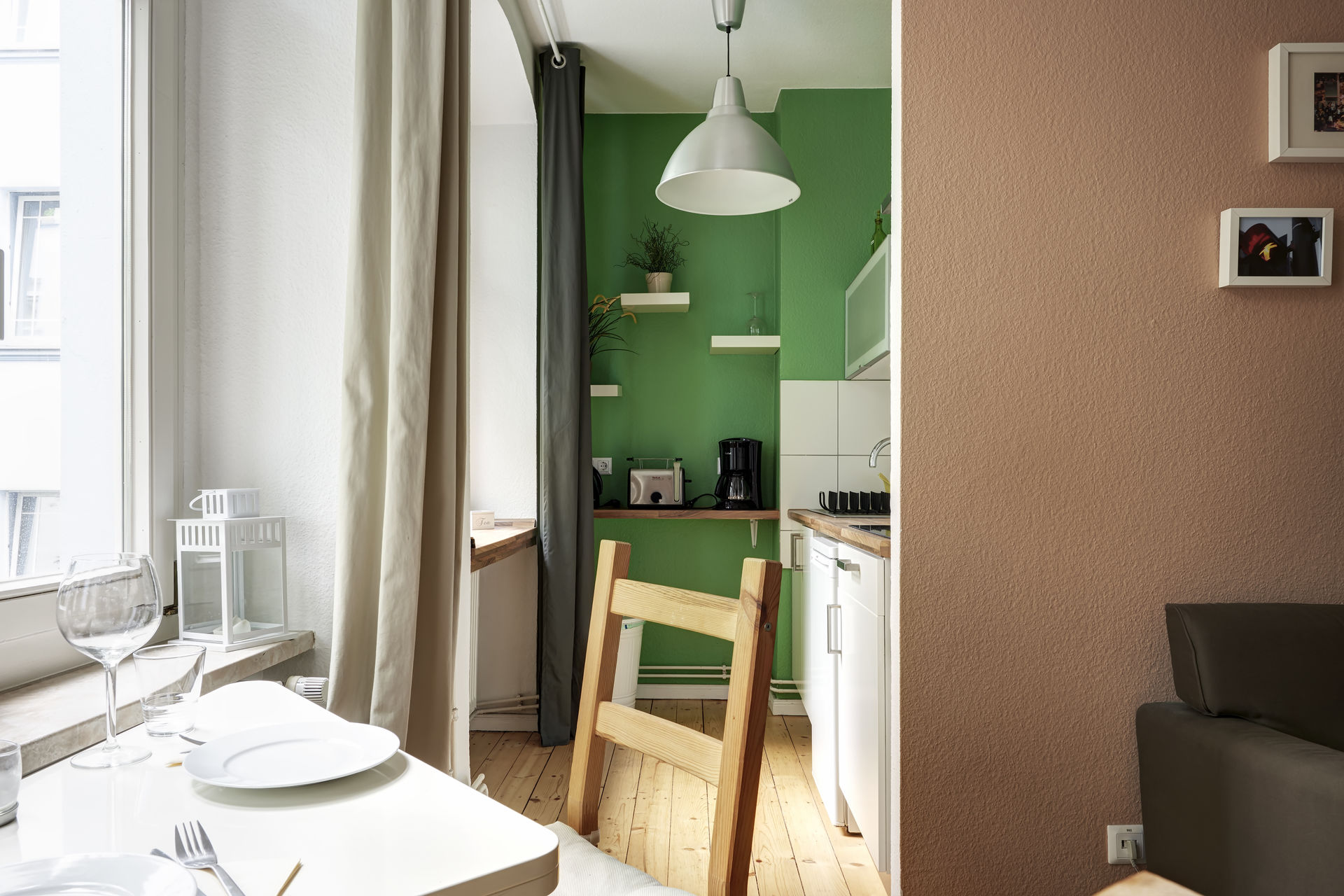 studio wohnung in prenzlauer berg. Black Bedroom Furniture Sets. Home Design Ideas