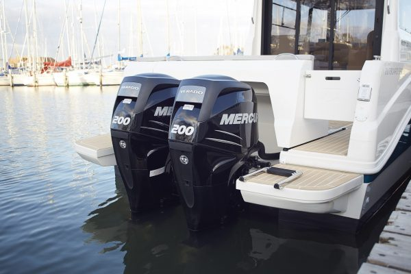 OUTBOARDS_down