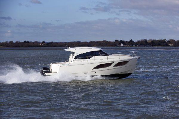 Rodman Spirit 31 Outboard Navegando 001_baja
