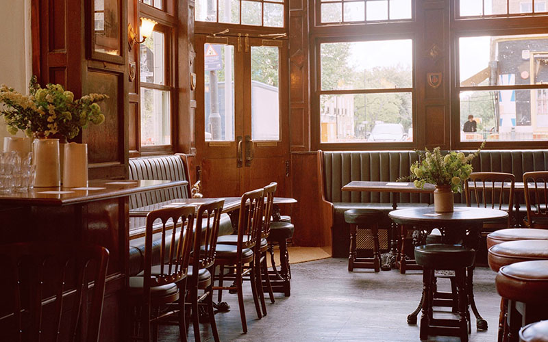 London cosy sustainable pubs and restaurants
