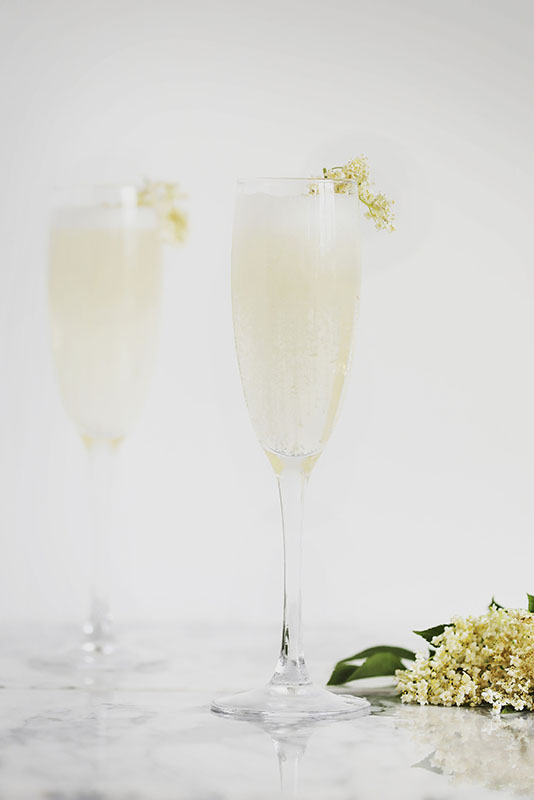 Crowd-pleasing bubbles with a floral touch.