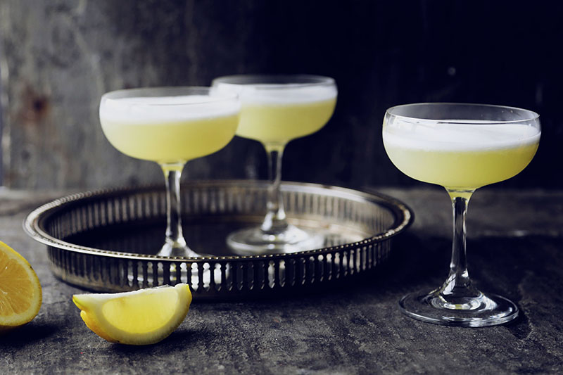 Lemon + gin = summer cocktail heaven.