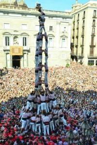 El 3 de 10 amb folre i manilles dels Minyons a Barcelona