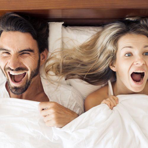 ilmainen eroottinen video mitä mies haluaa naiselta sängyssä