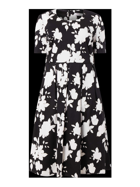 SHEEGO – PLUS SIZE Kleid mit Kellerfalten – Schwarz