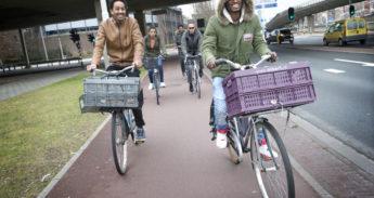 Eritreeërs op de fiets, inburgeren