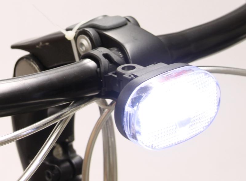 de makkelijkste koplampen zijn batterijlampjes die weinig energie verbruiken en lekker lang meegaan testkees heeft een aantal gangbare lampjes onder de