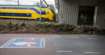 Grens tussen fietsstraat en autostraat