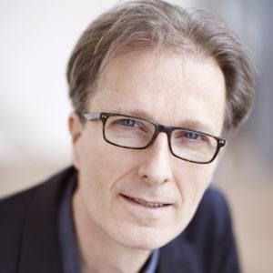 Portretfoto's van Mark Mieras, wetenschapsjournalist, door fotograaf Hein van den Heuvel