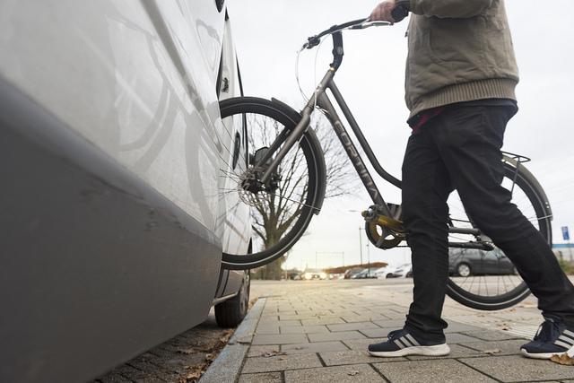 gestolen fiets inladen