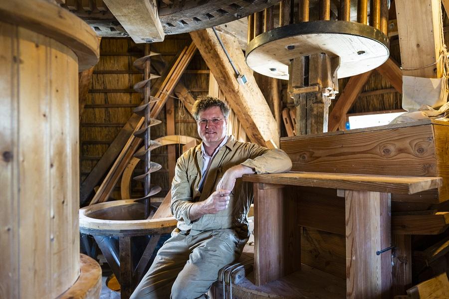 Molenaar Paul Groen in Molen de Valk