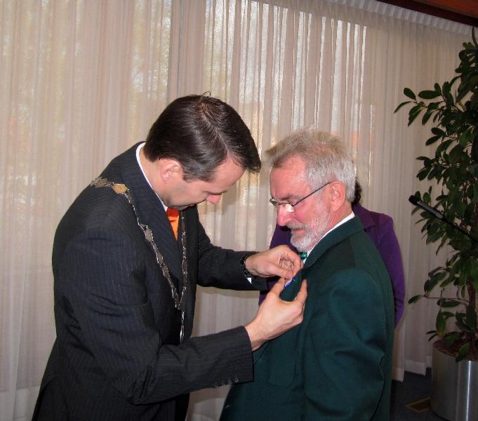 20120427 Piet Mazure onderscheiden