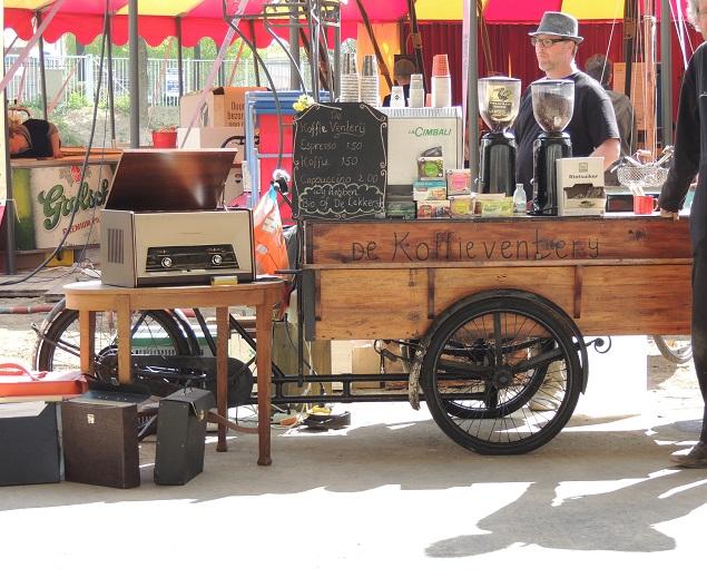 Koffiebakfiets op festivalterrein