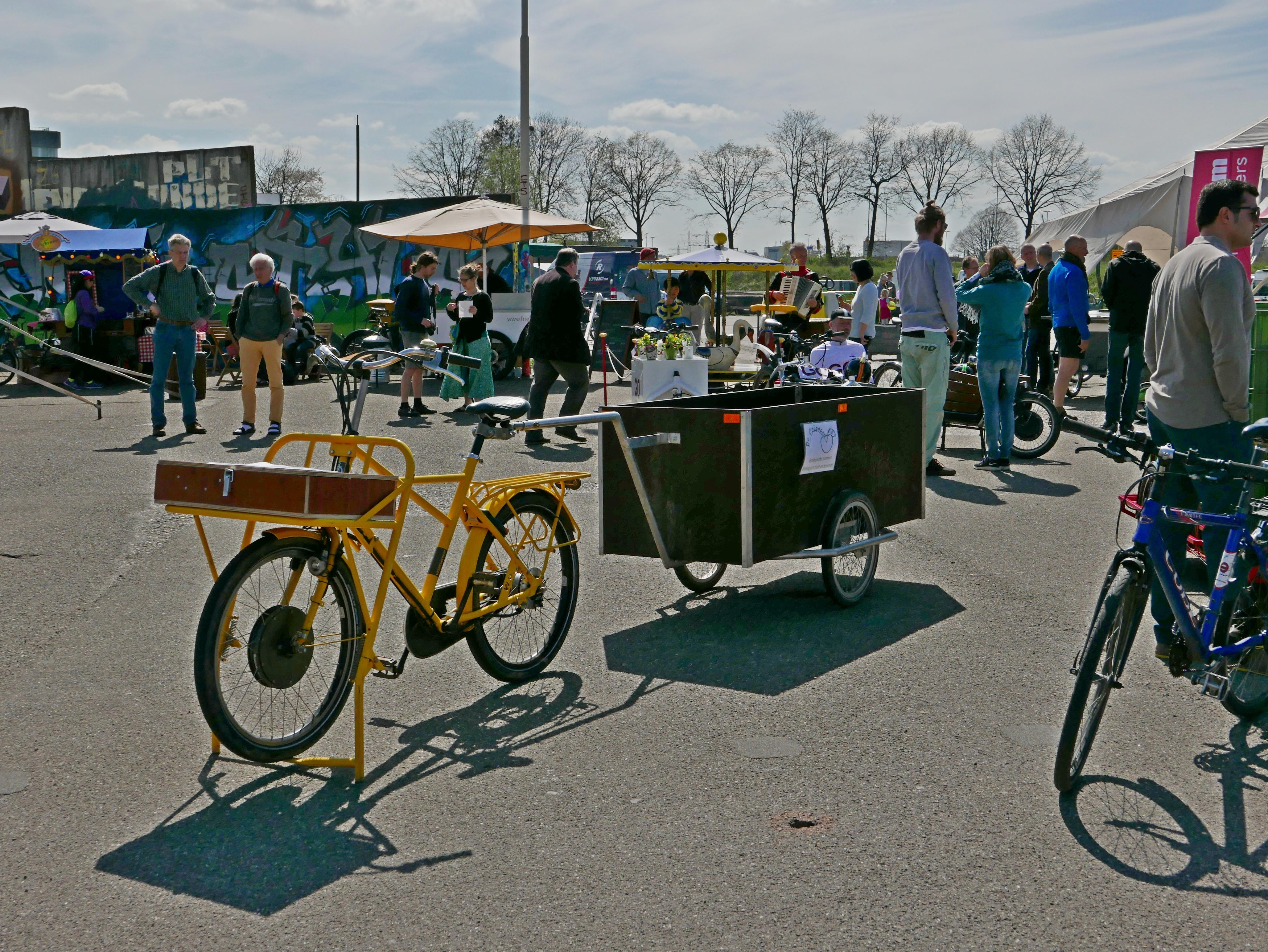 fiets met aanhanger bij Bakfietstreffen