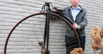 antieke fietsen op verzamelbeurs Veghel