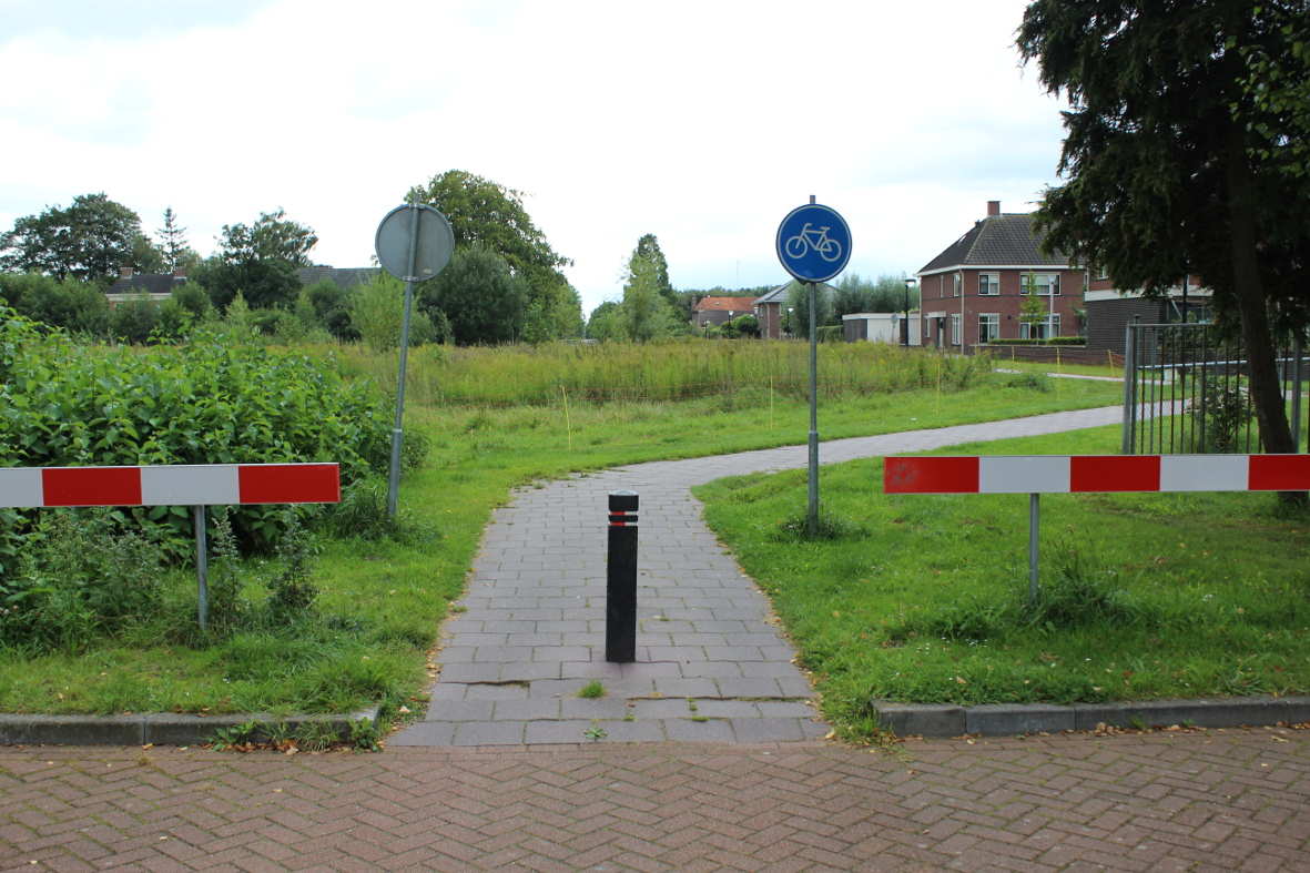 03a-oprichting-afdeling-Veendam-paaltje