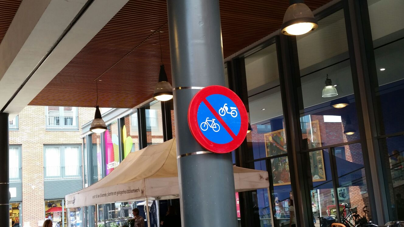 Foto: verboden rijwielen te parkeren
