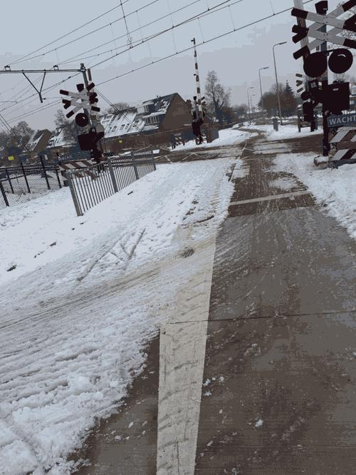 20191223_fietspad_over_spoorwegovergang_Zwolle_Zuid_half_geveegd_web
