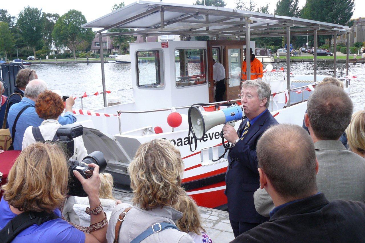 Rob van Doorn wethouder van Haarlem bij de doop van het Spaarneveer