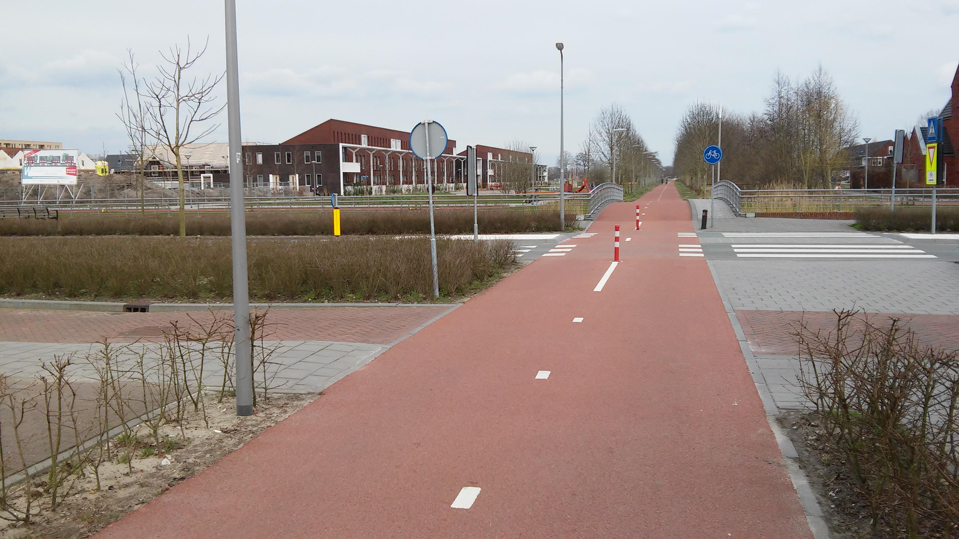 lange rechte weg fietspad Dragonder oost