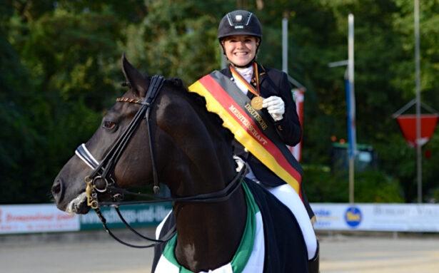 Anna Abbelen Horse