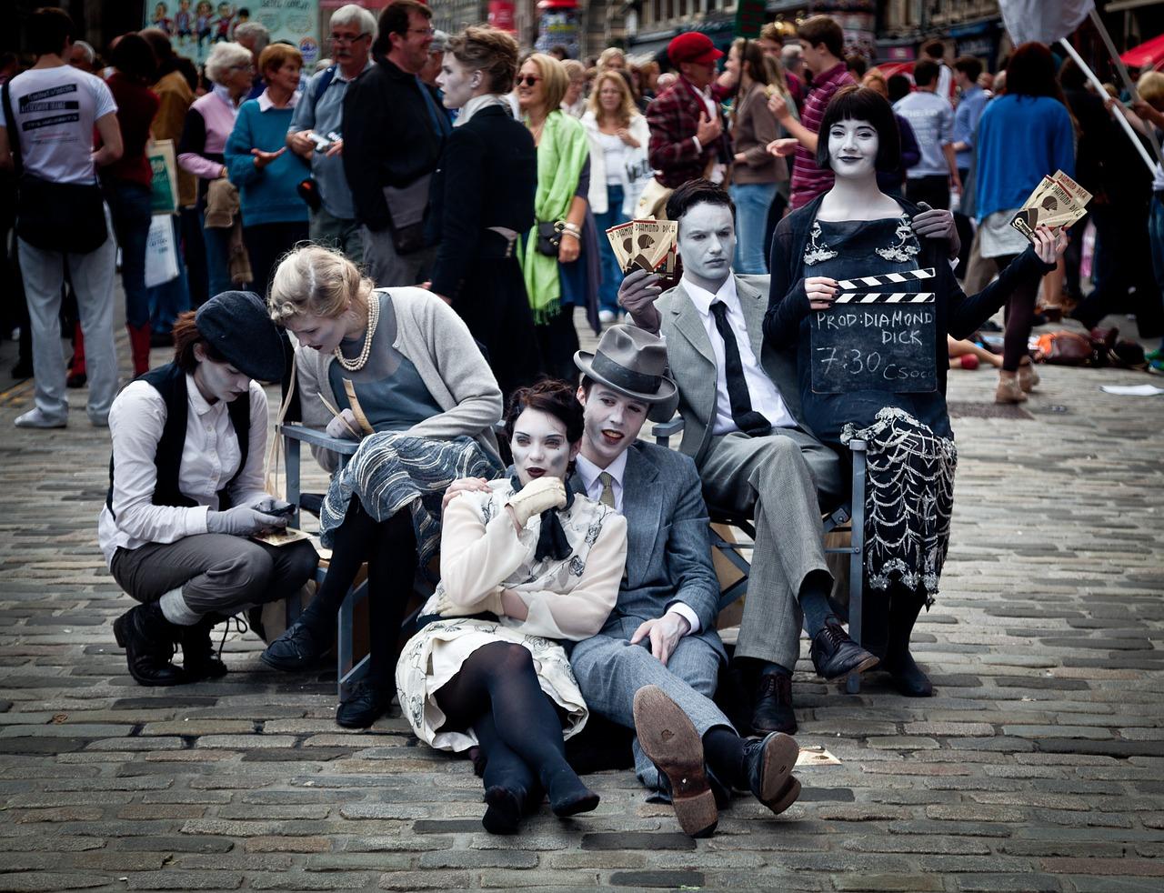 Edinburgh Fringe, street performers