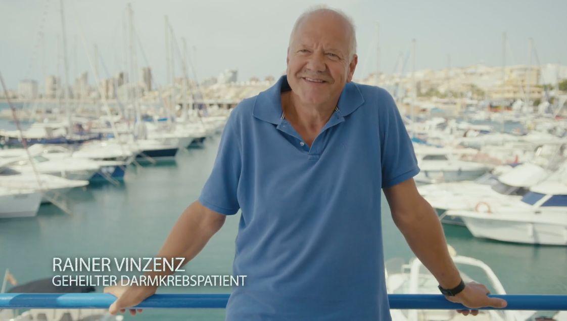 Rainer Vinzenz am Hafen von Denia