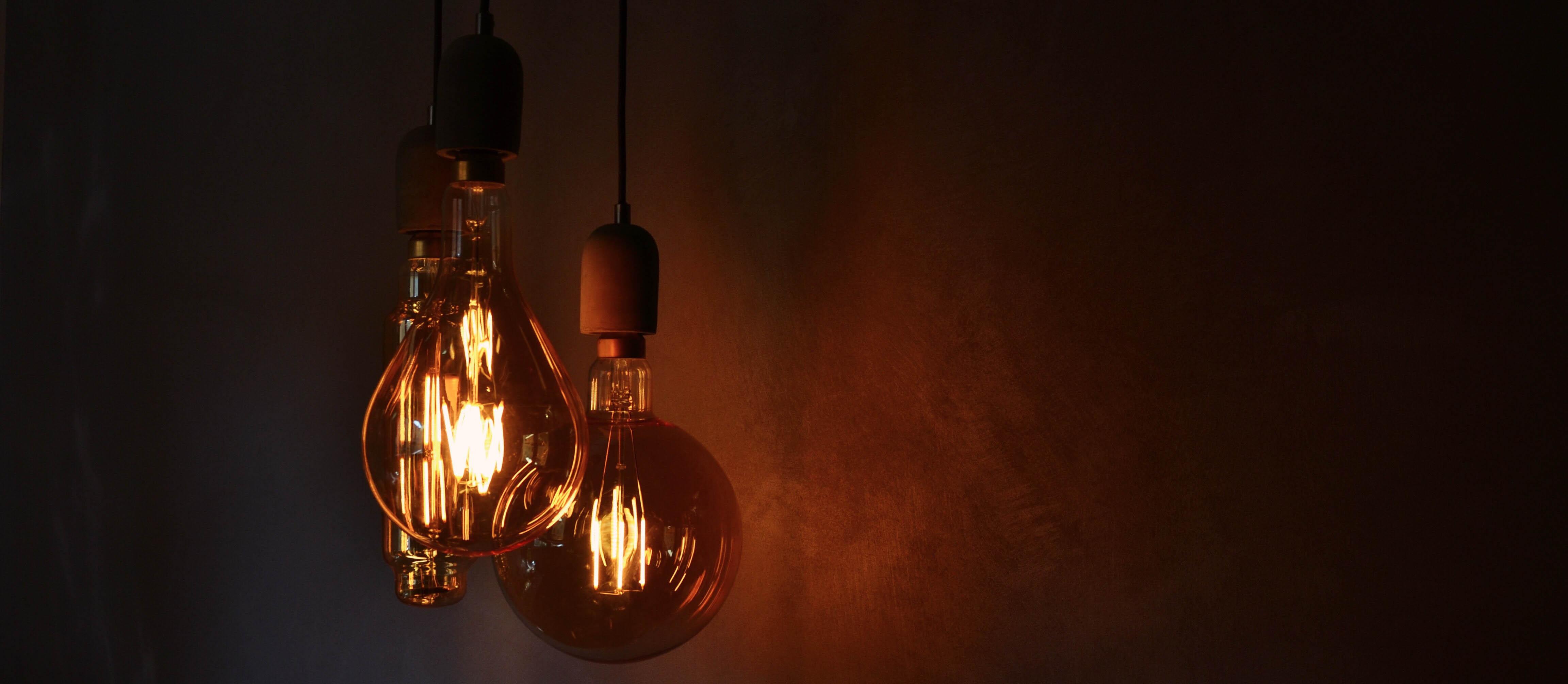 Unsplash/Federica Giusti glass light bulb
