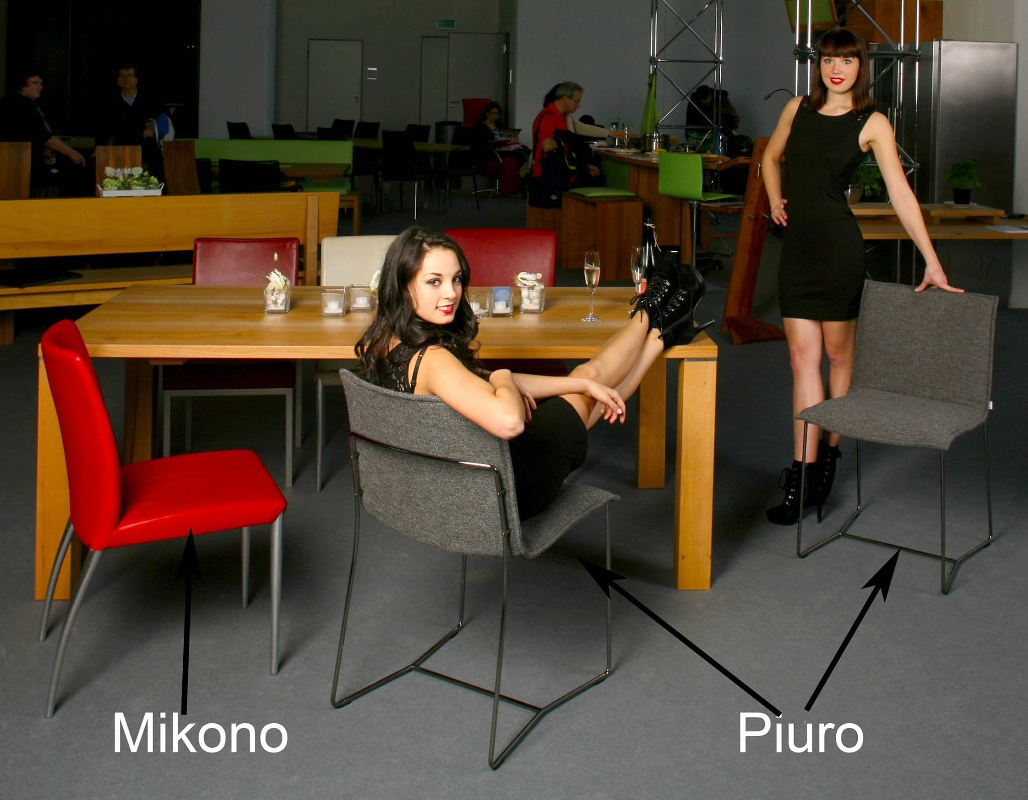 Consumenta-Stand mit Jori Stühlen