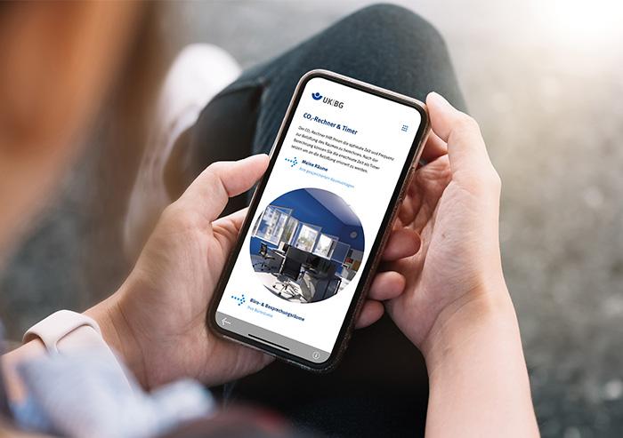 Die App auf einem Smartphone-Bildschirm