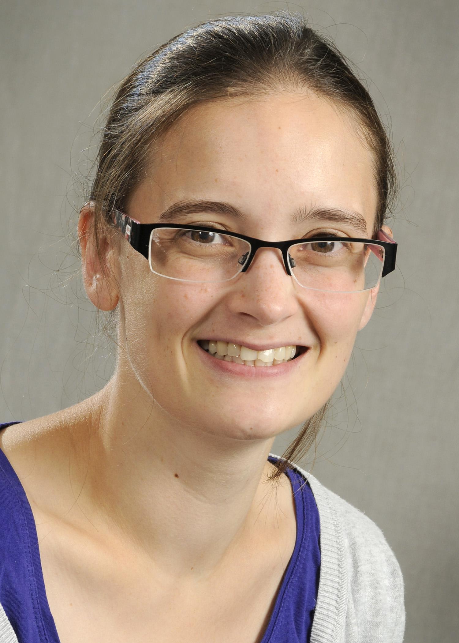 Dr Suzanne Bates