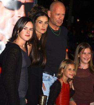 Câţi copii are Bruce Willis? - Filmsi.ro