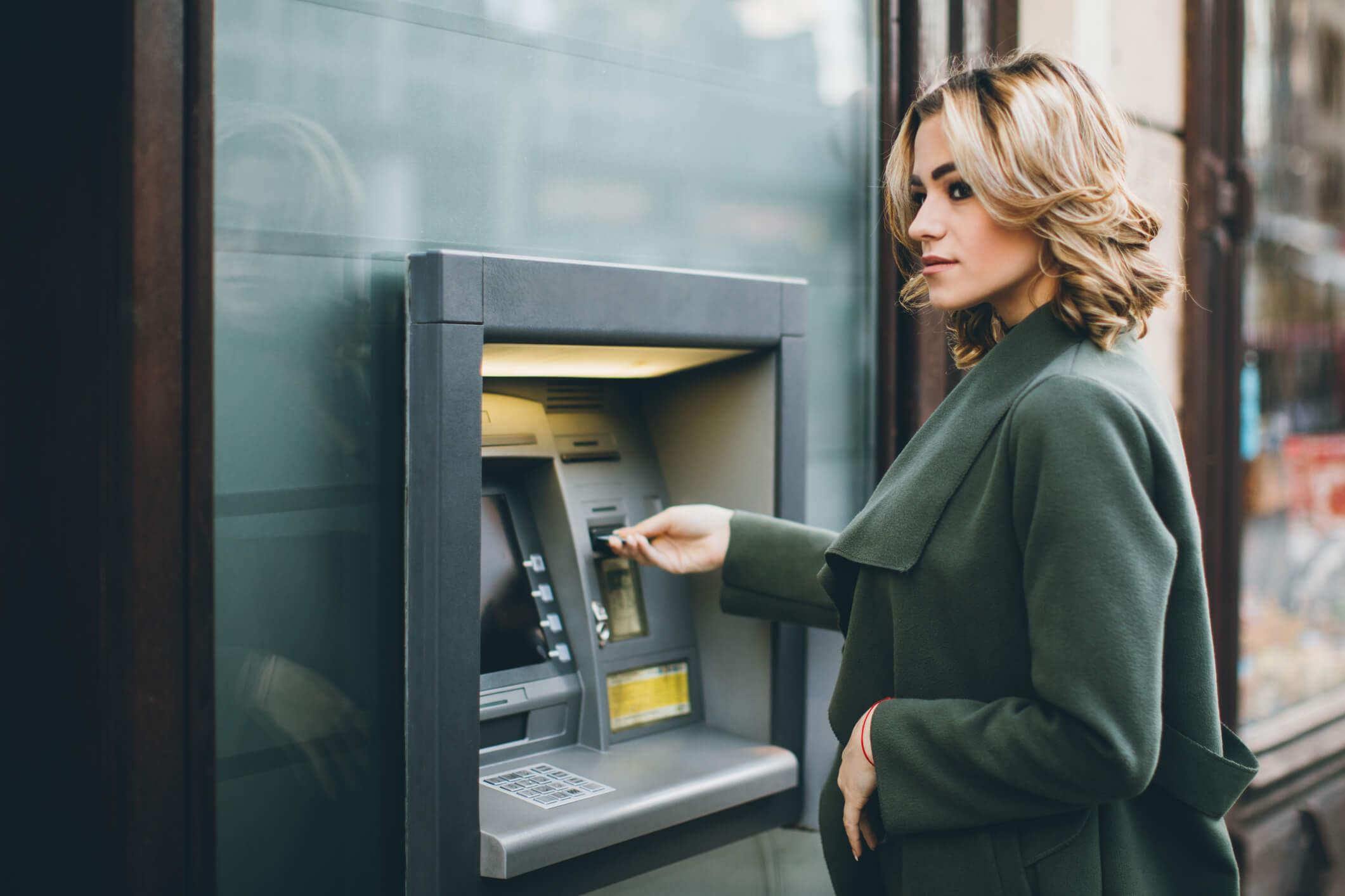 Descubre como evitar los costes y comisiones bancarias