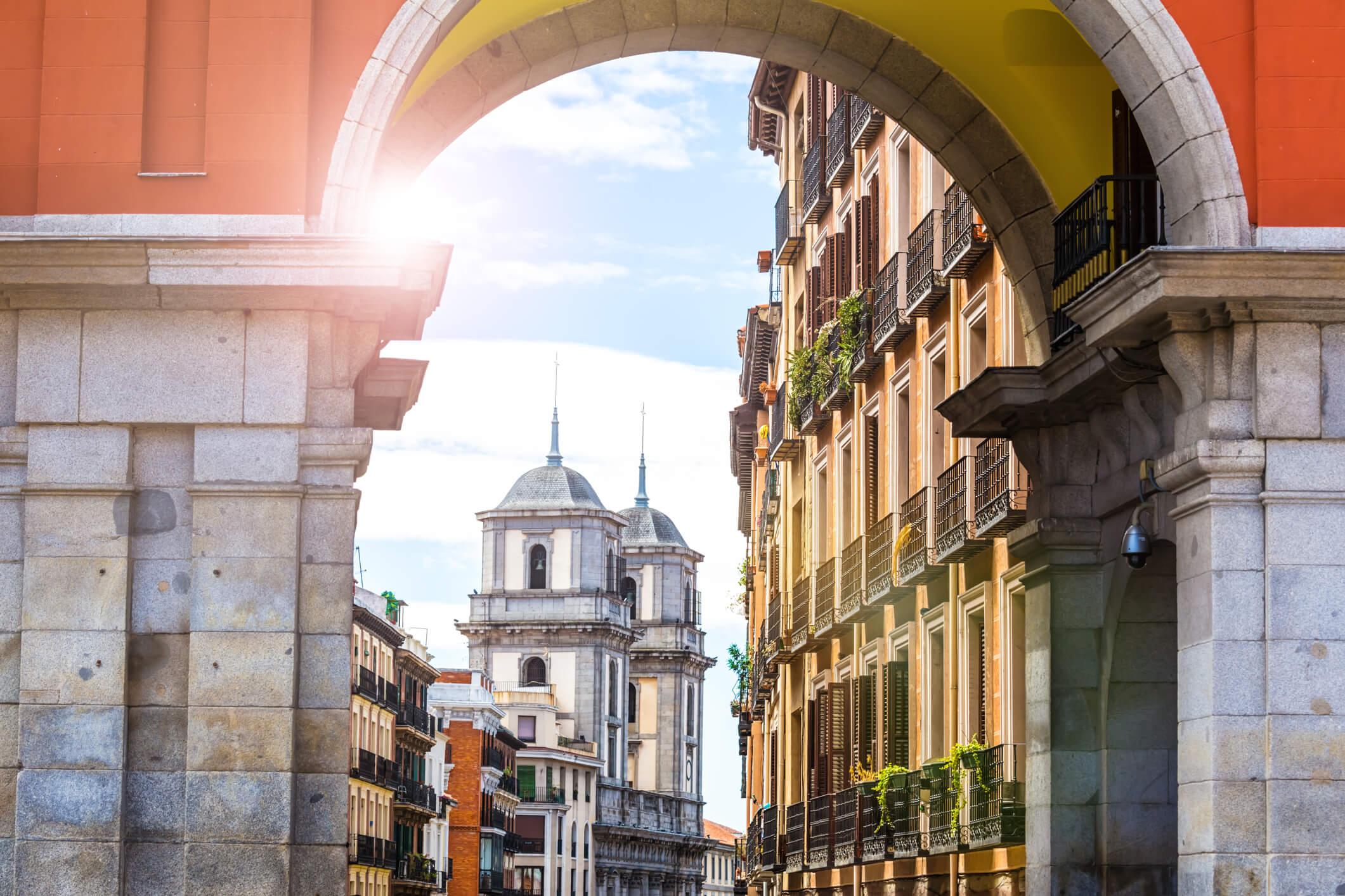 ¿Cuáles son las ciudades más caras y más baratas de España?
