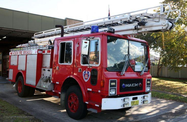 Mew South Wales Fire Brigade Mack Aerial Pumper