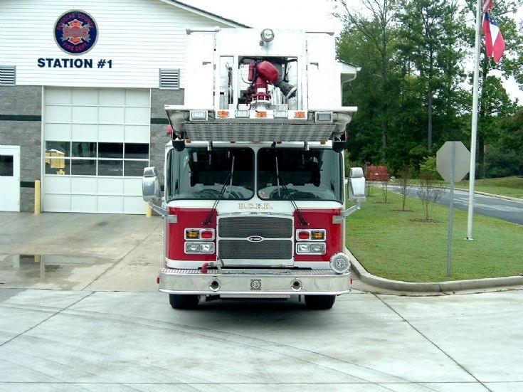 Douglas County FD (Georgia) E-One Ladder