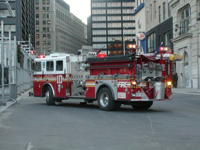 Engine 10 FDNY leaving Station 10