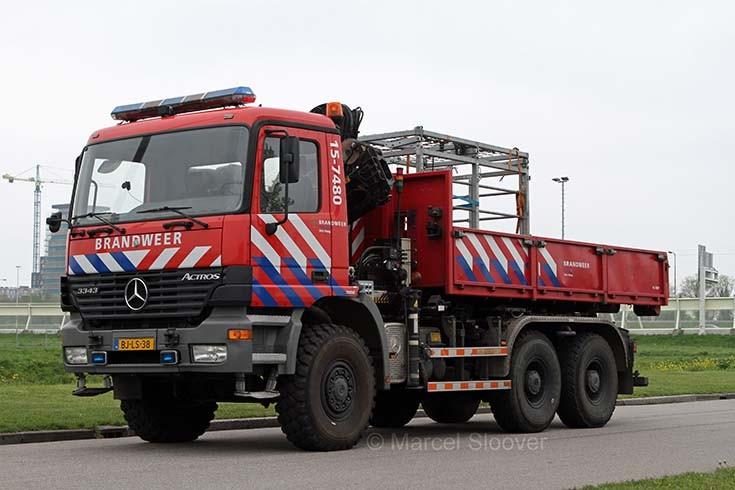 Haaglanden 15-7480 Mercedes Actros Leidschenveen