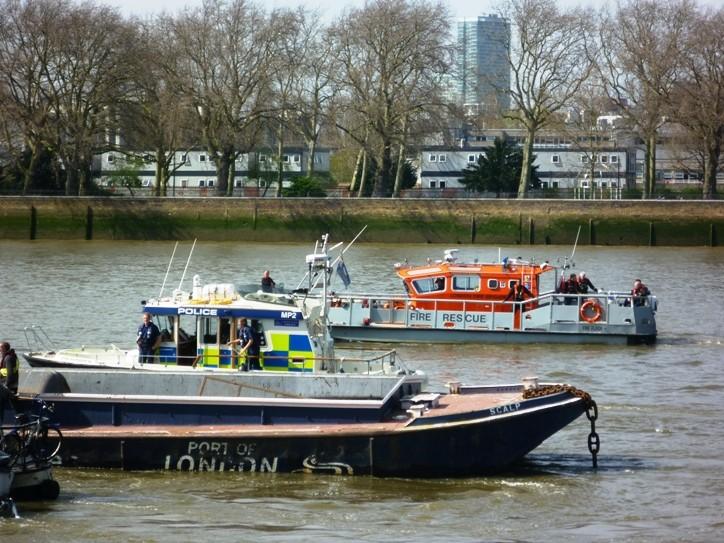 Fire Boat London FB Fire Flash