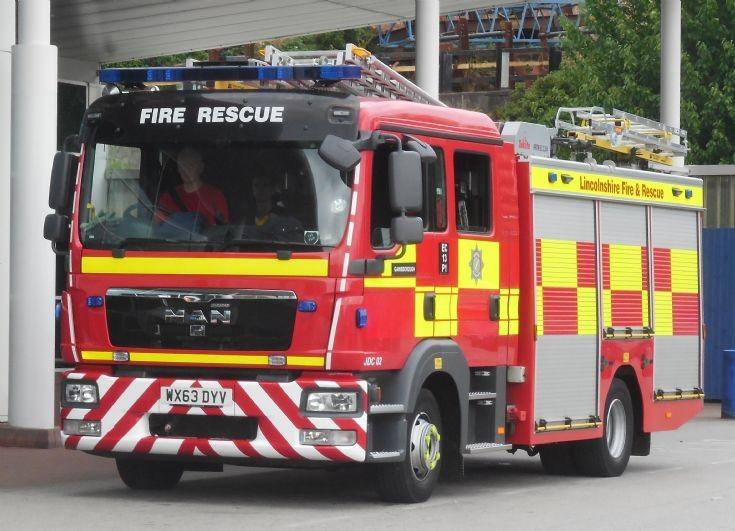 Lincolnshire Fire & Rescue Service (WX63 DYV)
